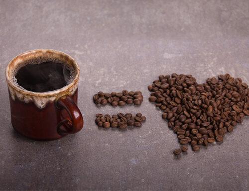Haz tu taza de café más saludable
